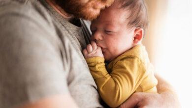تصویر از تاثیرات مهم نوازش و بغل کردن کودکان