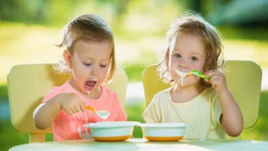 نکات کلیدی و مهم در رابطه با آداب غذا خوردن کودک