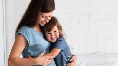 چگونه فرزند خود را برای پذیرش فرزند جدید آماده کنیم