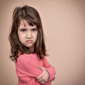 چگونه با کودک لجباز رفتار کنیم