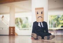 تصویر از چرا حتی وقتی در جمع هستم باز هم احساس تنهایی می کنم ؟