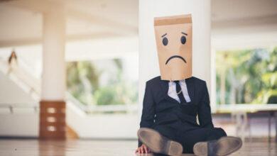 چرا حتی وقتی در جمع هستم باز هم احساس تنهایی می کنم