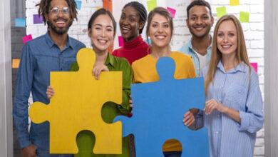 چگونه معاشرت با افراد مناسب شما را به سمت موفقیت میبرد