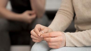 دختری که نمیداند جدا شود یا به زندگی زناشویی ادامه دهد